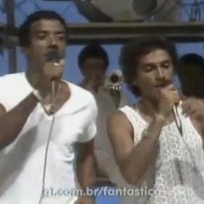 Jorge Ben et Caetano Veloso, un duo en blanc pour chanter «Ive Brussel»