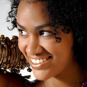 Racine et fleur : Mariene de Castro chante «Raiz»