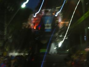 Impressions du Carnaval de Salvador (5) : le Navio Pirata dans leflou